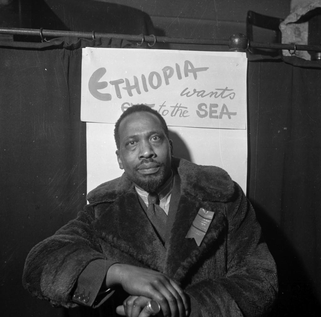 10th November 1945: Kenyan statesman Jomo Kenyatta (1891 - 1978) attends the first Pan-African Congress in Manchester.